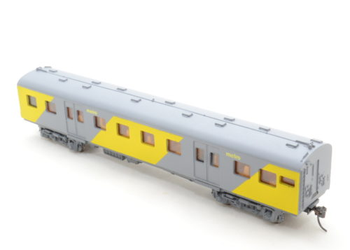 Metro-Rail Economy Class Coach (Kadee) - HO